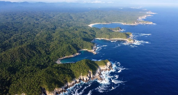 What does the CIA have to do with Oaxaca's Huatulco bays
