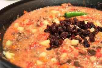 Chiles Rellenos de Picadillo, receta fácil de preparar