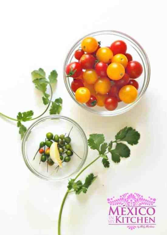 Salsa cruda con tomate milpero, deliciosa receta