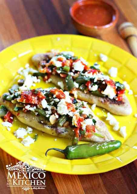 Tlacoyos mexican street food