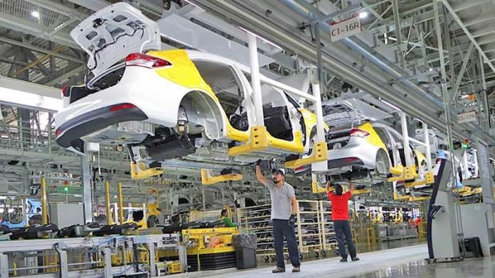 Dan 'luz verde' a sector automotriz en Nuevo León