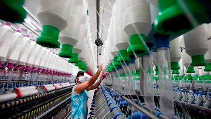 Textileros poblanos apuestan por exportaciones para el sector salud