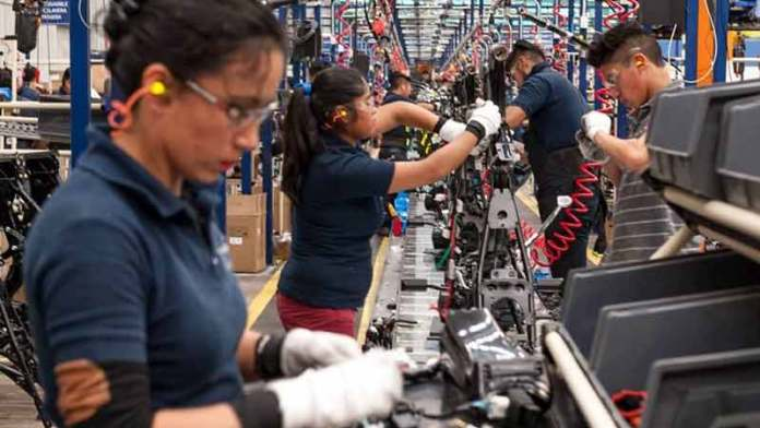 ¿Cómo ha beneficiado a México la guerra comercial entre China y EU?