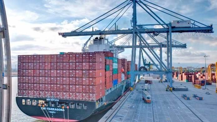 Crecen exportaciones a menor ritmo en agosto en México