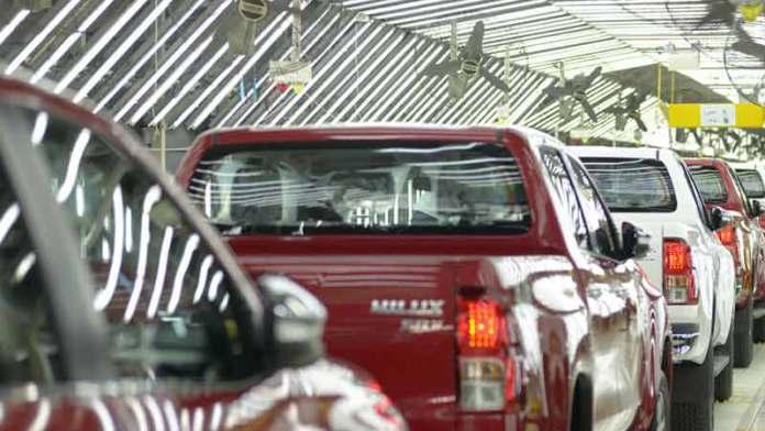 Automotrices, con paradas de producción por falta de piezas