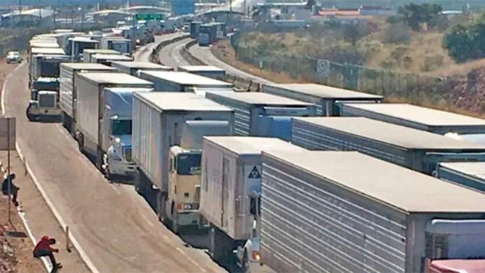 Reducen tiempo de espera para camiones de carga en la frontera de Nogales