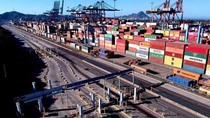 Vislumbran colapsos en cadenas logísticas globales: Cofoce