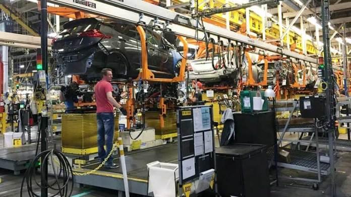 GM alarga freno a la producción de su Bolt por problemas de baterías y Equinox por falta de chips