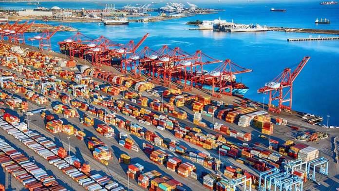 Puertos de Los Ángeles y Long Beach operarán 24 horas al día tras reunión con Presidente Biden