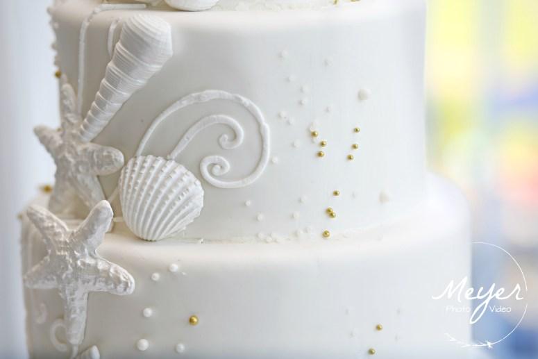 beach wedding cake close up detail