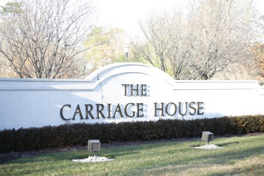 carriage house building