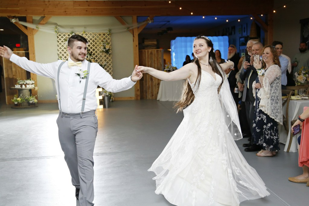 bride and groom dancing at New Jersey wedding