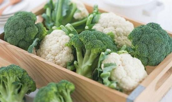 Súp lơ cũng nằm trong danh sách các loại rau bà bầu nên kiêng ăn số lượng lớn để tránh sảy thai