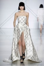 09-ralph-russo-spring-17-couture