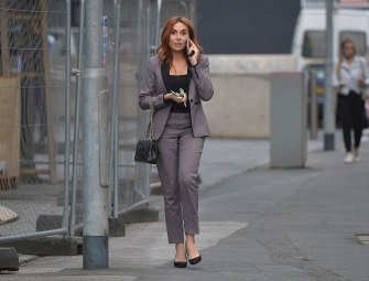 Manchester, Wednesday, 06 September 2017. ***EXCLUSIVE PICTURES*** ***MINIMUM £500 PER ONLINE USE*** ***MINIMUM £500 PER IMAGE FOR UK NEWSPAPERS*** Laura Simpson (the girl in the middle of the Wayne Rooney drink driving incident) seen leaving her new job in Manchester, days after quitting her old job. EXC PHOTOS: IC