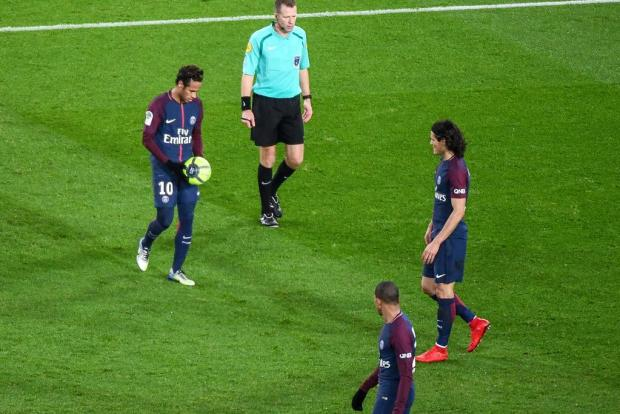 Neymar and Cavani.jpg