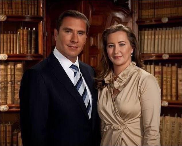Gov. Martha Erika Alonso and ex-Gov. Rafael Moreno Valle.jpg