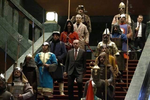Referandum Erdoğan'ın siyasi intiharı olacak gibi !
