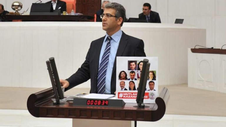 HDP Wan Milletvekili Adem Geveri Bitlis Garzan Şehitliğindeki mezarların açılmasıyla ilgili soru önergesi