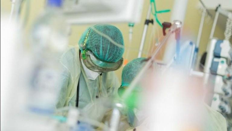 Almanya'da Kovid-19 aşısından sonra ilacı da bulundu