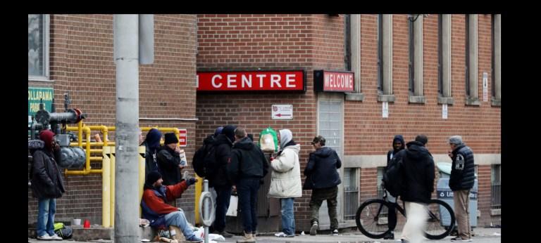 Kanada'da Yeni Yaşam; CN Tower Gölgesinde Homeless(2)  MİTHRA ÇİYAYÎ