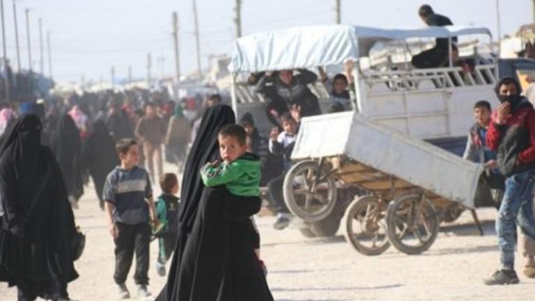 Hol Kampı'nda kalan Iraklı göçmenler: Evimize dönmek istiyoruz.  EKREM BEREKET