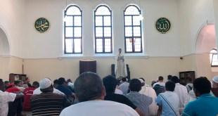 Shaij Habib dando el Jutba en la Mezquita Jummuah de Ciudad del Cabo