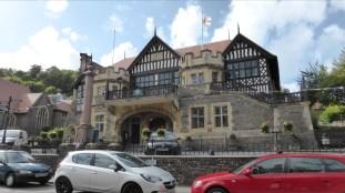 Lynton Rathaus