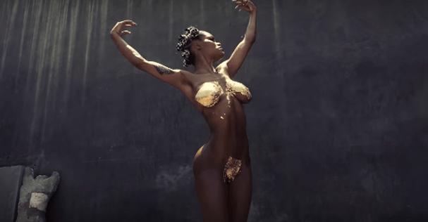 Teyana Taylor no clipe Champions freestyle (Foto: Reprodução/ Youtube)