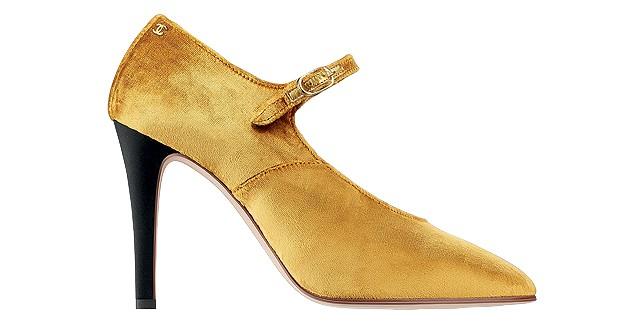 Sapato de veludo Chanel, a partir de R$ 3.700 (Foto: ImaxTree/Divulgação)