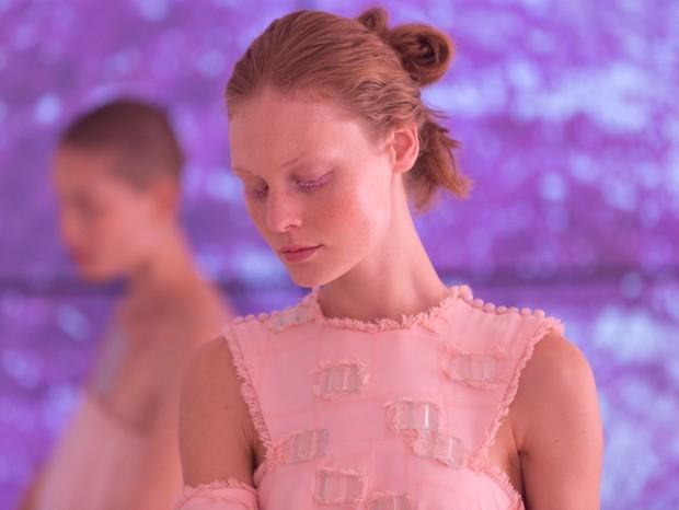 Paula Raia: Detalhe do make feito para o desfile, com tons de rosa inclusive nos cílios das modelos (Foto: Thibé)