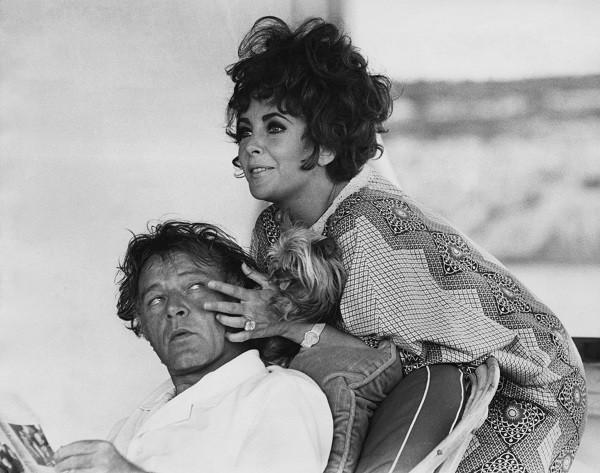 Elizabeth Taylor e Richard Burton (Foto: gettyimages)