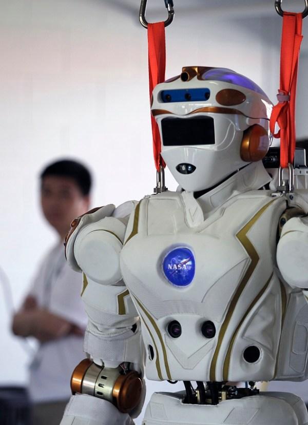 Upgrading Valkyrie: NASA's Humanoid Robot Has Its Eyes Set ...