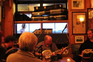 old band in the bar