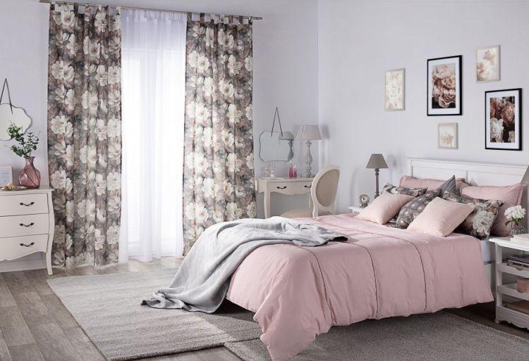 шторы  использовать одинаковые или похожие материалы для покрывала и наволочек.