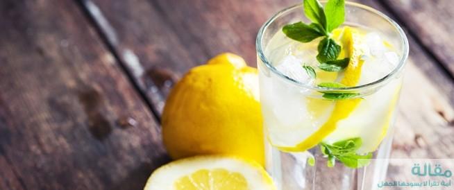 اضرار تناول الماء الدافئ والليمون علي صحة أسنانك