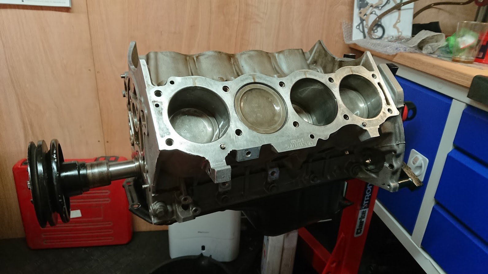 V8 engine build part 2 – (more) new main bearings, crank and piston fitting