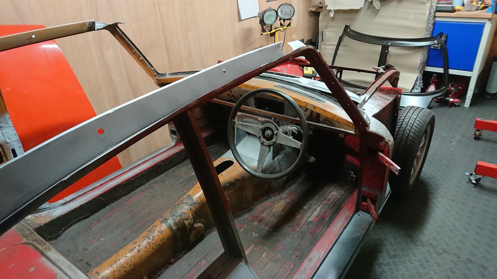 Windscreen frame/front scuttle removal