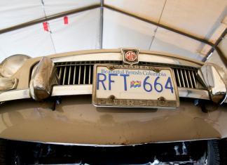 1967 MGB GT front valance