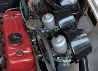 1967 MGB GT engine carburetors and air filters after cleaning