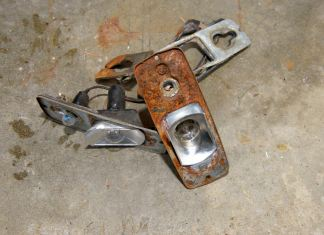 Rusty MGB GT Lucas side/flasher lamp