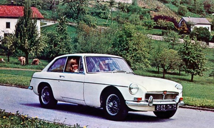 1967 MG MGB GT Photo