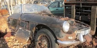 Totally rusted out MGB Roadster