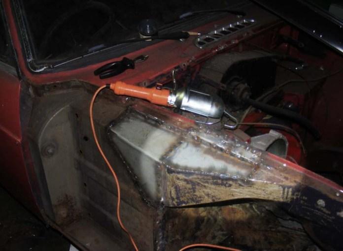 Front fender ledge on MGB GT