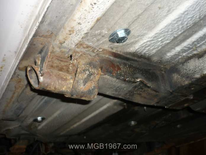 Rusty jacking point on MGB GT