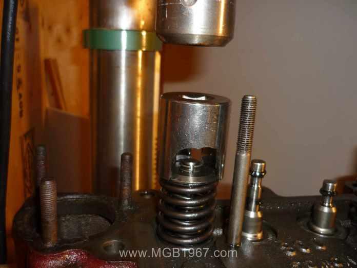 MGB valve spring compressor