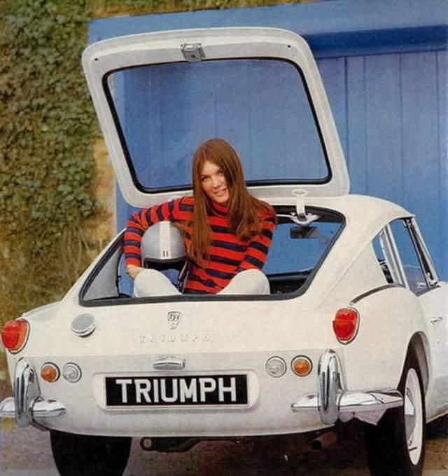 Triumph racing gal in trunk