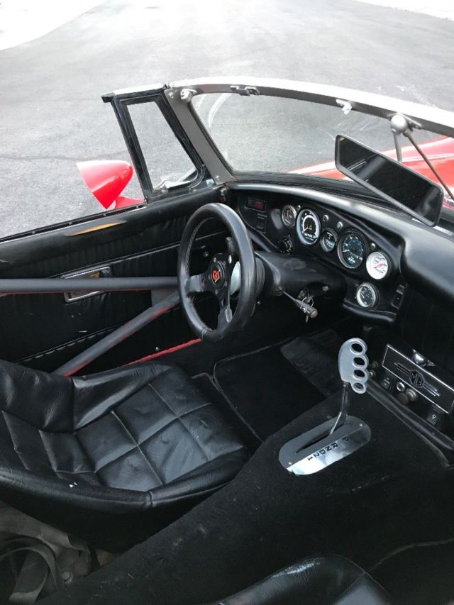 WTF 1969 MG MGB Custom convertible interior