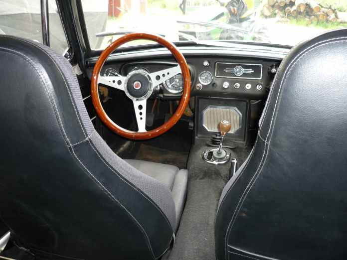 1967 MGB GT interior with Mazda Miata seats