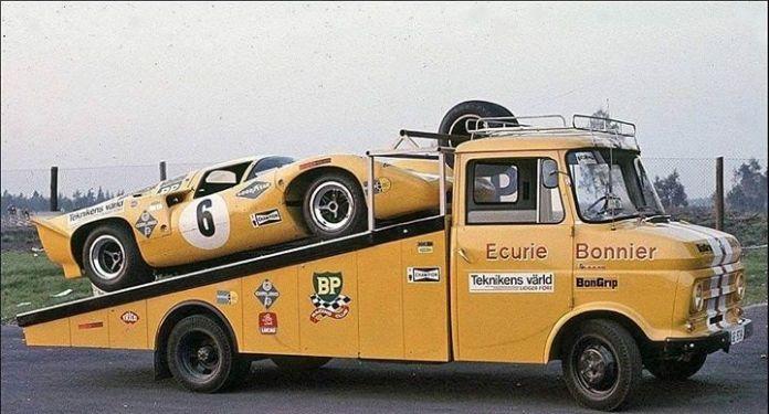 Jo Bonnier's Chevy V8 powered Lola T70 MkIIIB